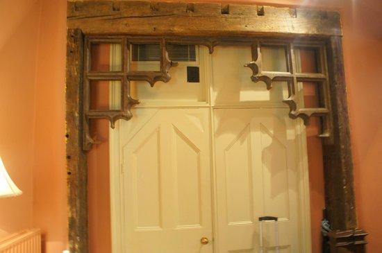 The Rookery Hotel: beautiful door frame in room