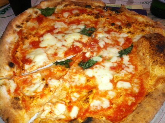 Trianon da Ciro: Margherita Pizza Napoletana S.T.G.