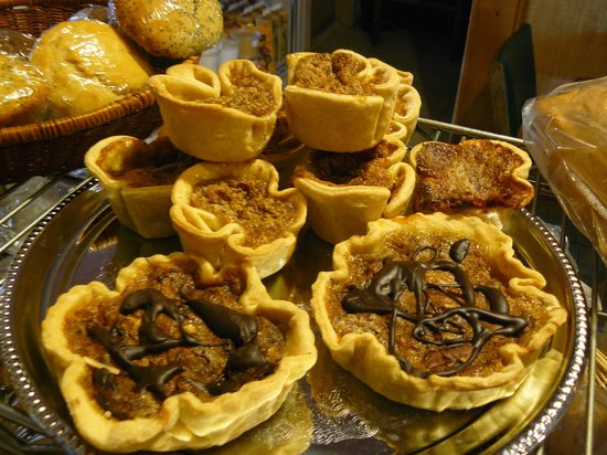 Market Side Food Shop & Cafe: yummy tarts