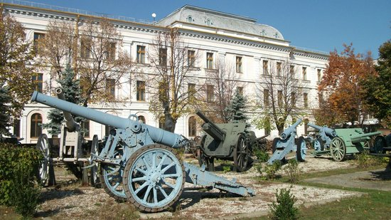 National Military Museum Bucharest : Outside display at the rear of the museum