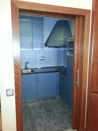 Geranios Suites & Spa: Kitchen