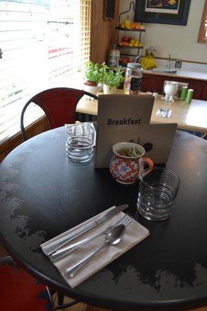 The Inn on the Gallatin: Cafe