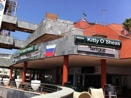 Terrace Bar Puerto Colon: Вид бара днем