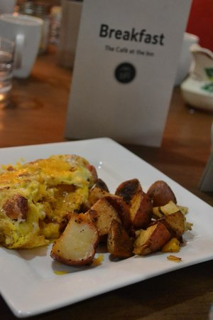 The Inn on the Gallatin: Breakfast fit for a king