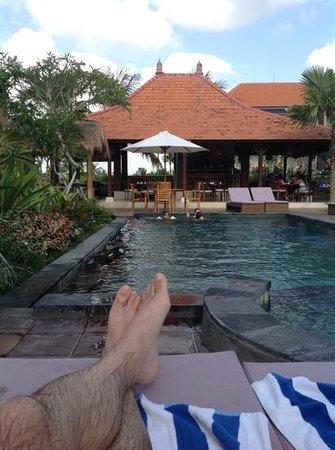 Inata Bisma Resort & Spa Ubud: vue sur le bar.