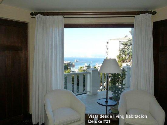 Casa Higueras: Vista desde sala habitación 21