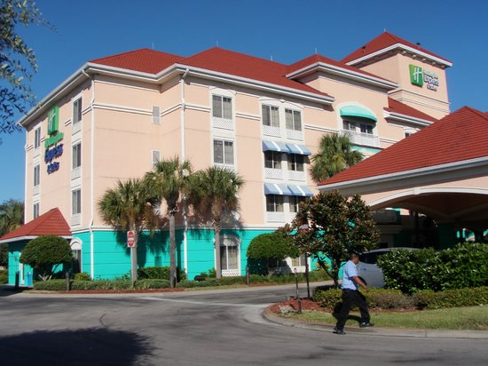 Holiday Inn Express Hotel and Suites Orlando-Lake Buena Vista South : Vista exterior del hotel