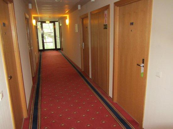 Grata Hotel: коридор