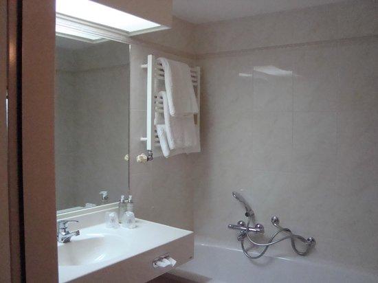 WestCord Hotel De Wadden: nette, schone en goed ingerichte badkamer