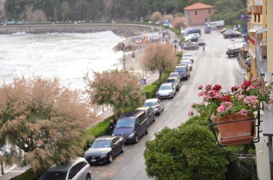 Hotel Venere Azzurra: na tej ulicy szuka się parkingu