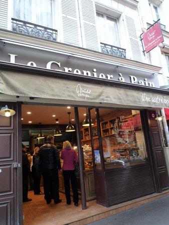 Le Grenier a Pain : いつもお客さんでいっぱい