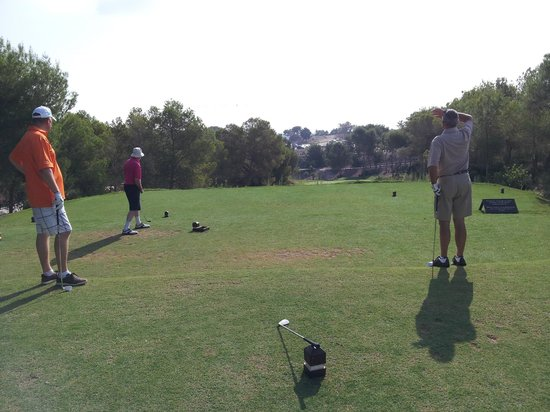 Las Colinas Golf & Country Club: Teeing off