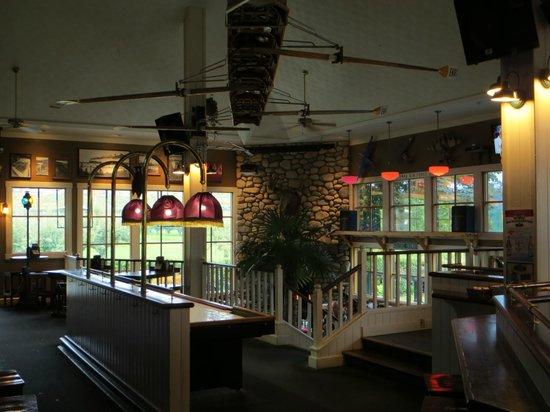 McCulloch Station Pub: Interior view