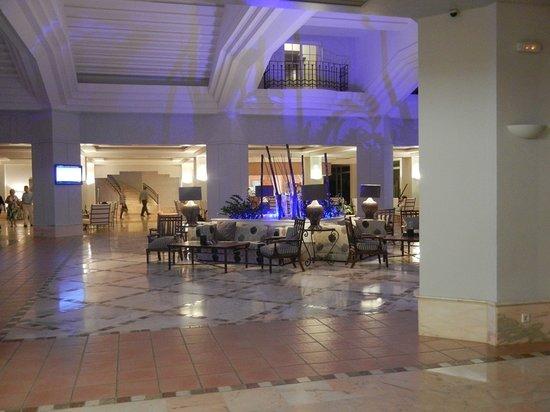 Melia Atlantico Isla Canela: Auch die Lobby ist schöner und moderner geworden