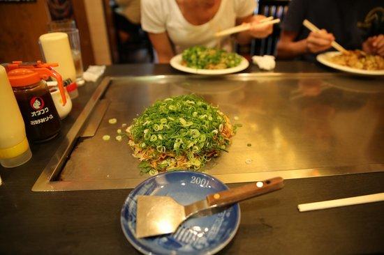 Hassei: hiroshima okonomiyaki on your table...