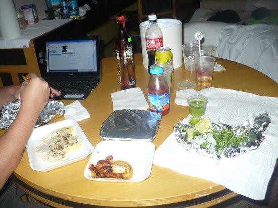 Hotel Royal Reforma: Servicio a la habitación