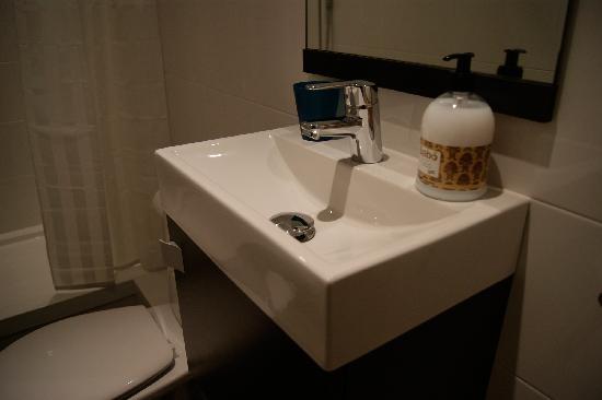 Tripledos: bathroom