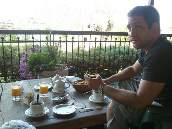 Rio Laura Delta Lodge: desayuno en la galeria