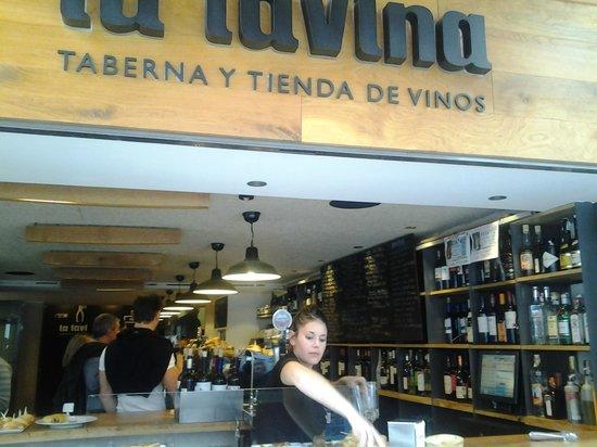 La Tavina : Vista del lugar desde la calle.
