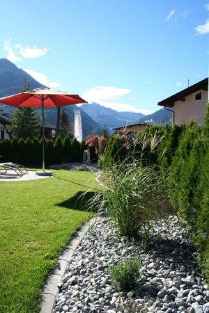 Residenz Allegra: Garten & Relaxbereich Sommer