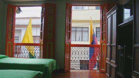 Habitaci n con balcones picture of hospedaje casa real - Balcones interiores casa habitacion ...