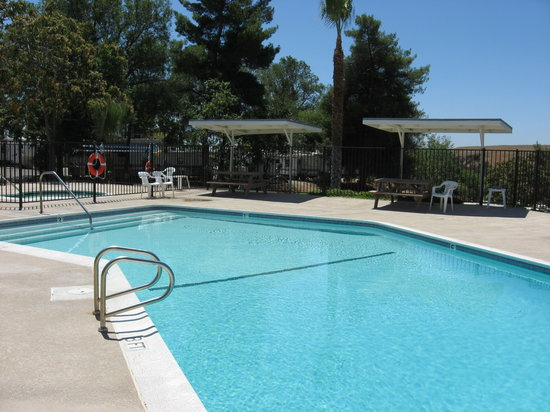 Country Hills RV Park : Enjoy our pool and spa during your stay.