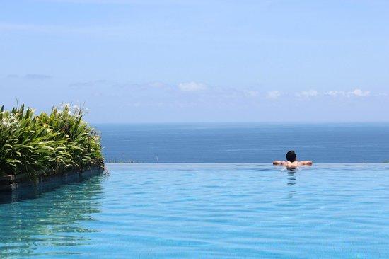 Alila Villas Uluwatu: Infinity Pool