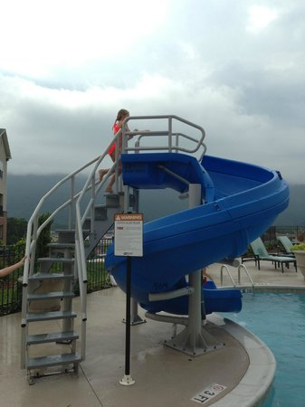 Hampton Inn Chattanooga West/Lookout Mountain : Big waterslide