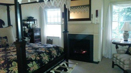 Cornerstone Farm Bed and Breakfast: Bedroom