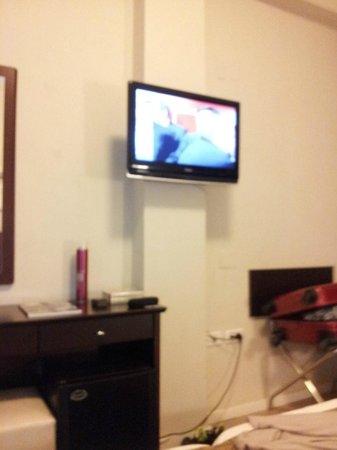 Restal Hotel: Led Tv.