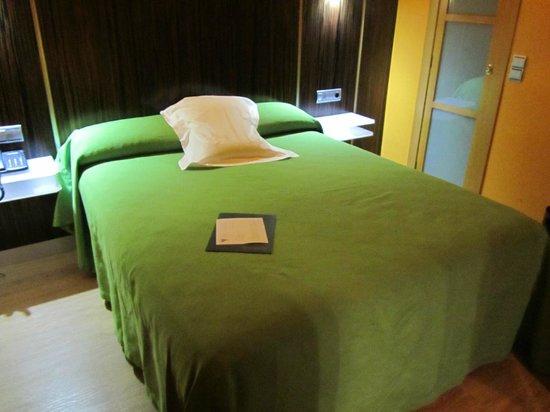Hotel Gran Via: Habitación