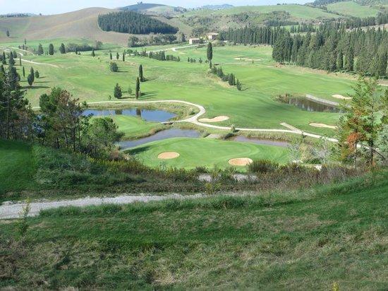 Golf Club Castelfalfi: buca nove micidiale si parte da 50 metri in alto