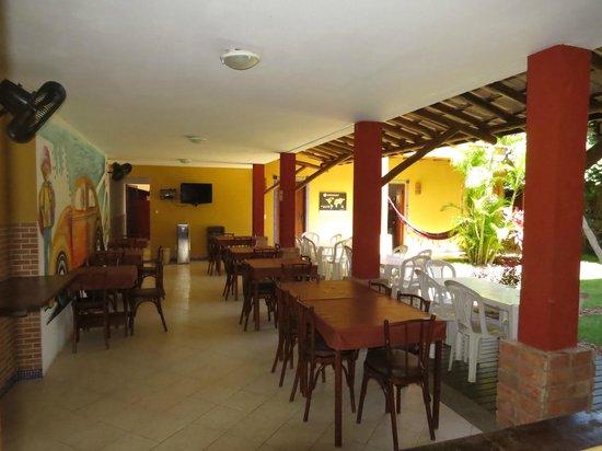Praia Do Forte Hostel: café da manhã
