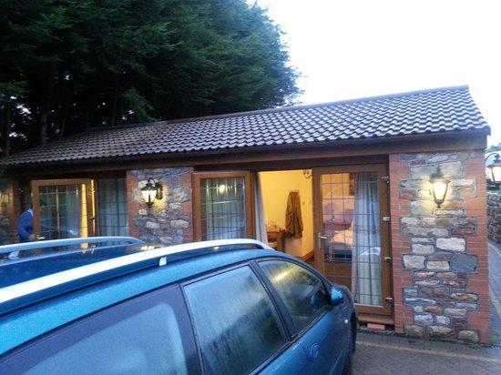 Acorns Guest House: Camera e parking