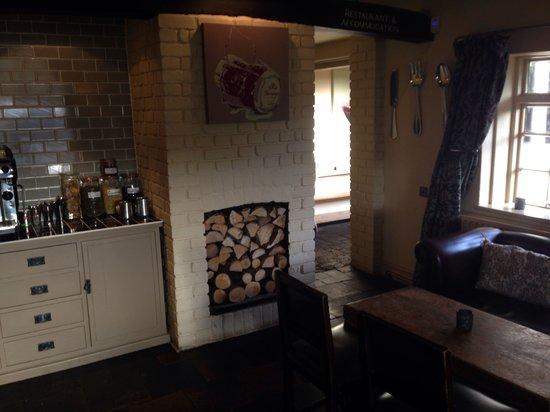 The Ivy House: Bar
