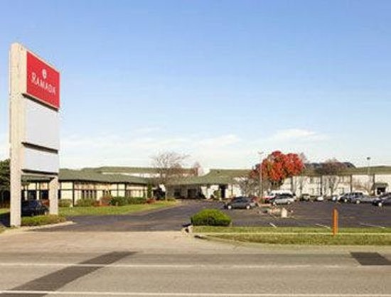 Elk Grove Hotel: Welcome to the Ramada Elk Grove Village/OHare Airport