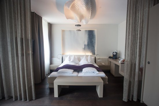 CASCADA Hotel: Bed area