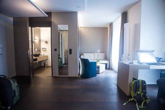CASCADA Hotel: Sitting room area