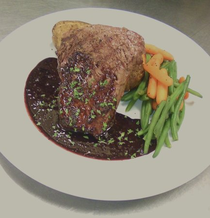 Blink Twice : Our charbroilded center cut USDA Choice sirloin, with starch, veggies & house made bordelaise sa