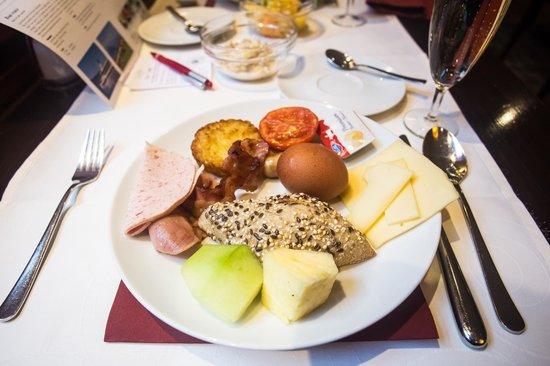 CASCADA Hotel: Awesome breakfast buffet