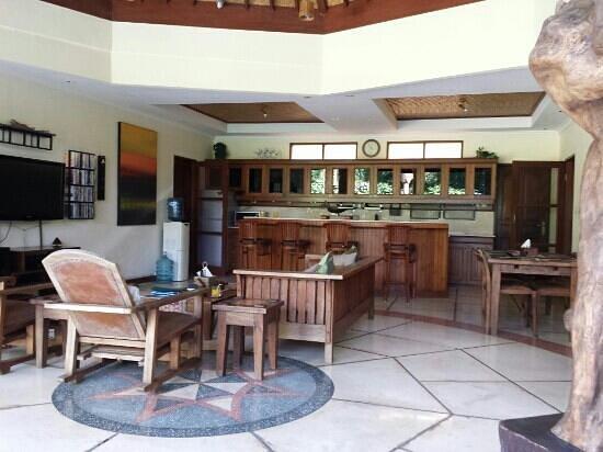 Emerald Villas: Open air living
