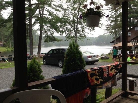 Kastner's Motel On The Lake: Grey day