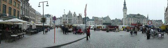 Zimmer Hotel : Lier Town square & Saturday market