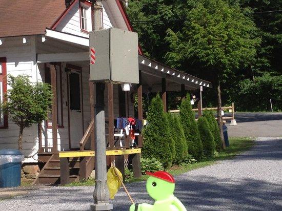 Kastner's Motel On The Lake: Clean cabin