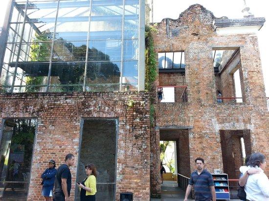 Centro Cultural Municipal Parque das Ruínas : Casa das Ruínas modernidade e tradição