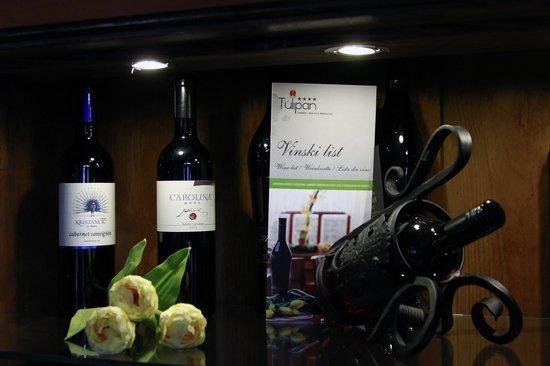 Gostisce Tulipan : Vinska omara