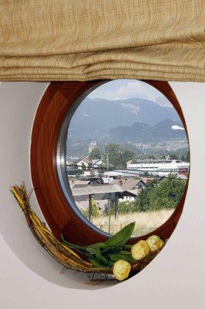 Gostisce Tulipan : Pogled iz sobe