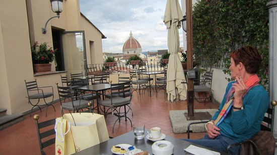 Hotel Degli Orafi: tagterrassen