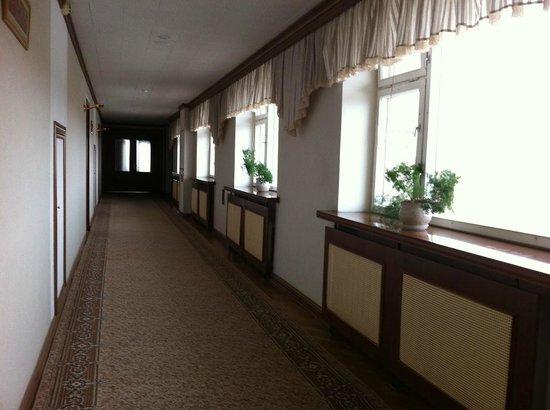 Bor Hotel Complex: Коридор. Отель