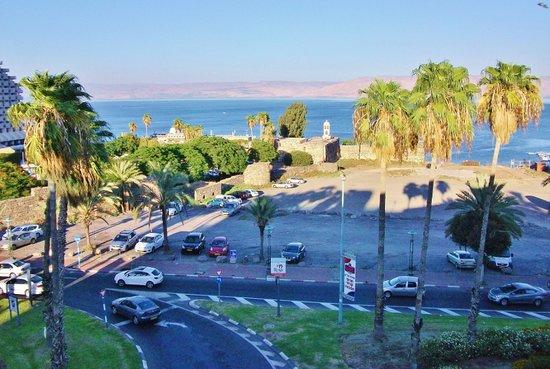 Panorama Hotel: Вид из отеля на Кинерет
